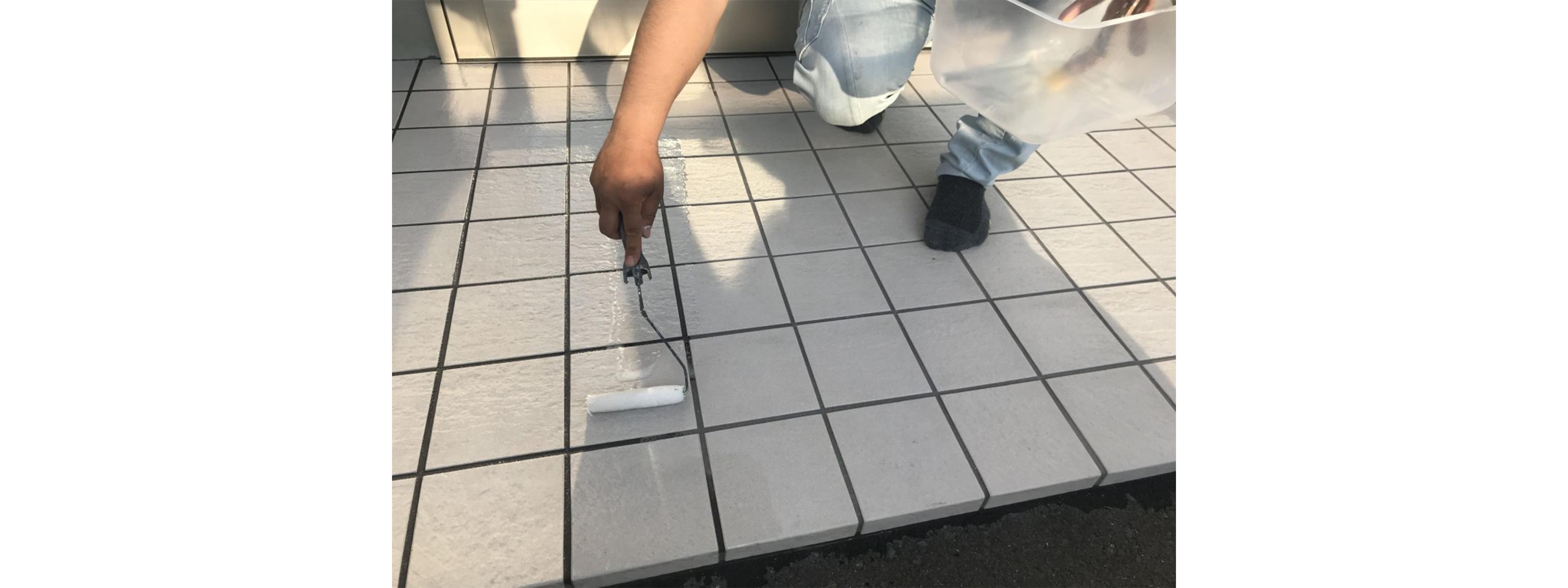 液体ガラス塗料2回目施工中